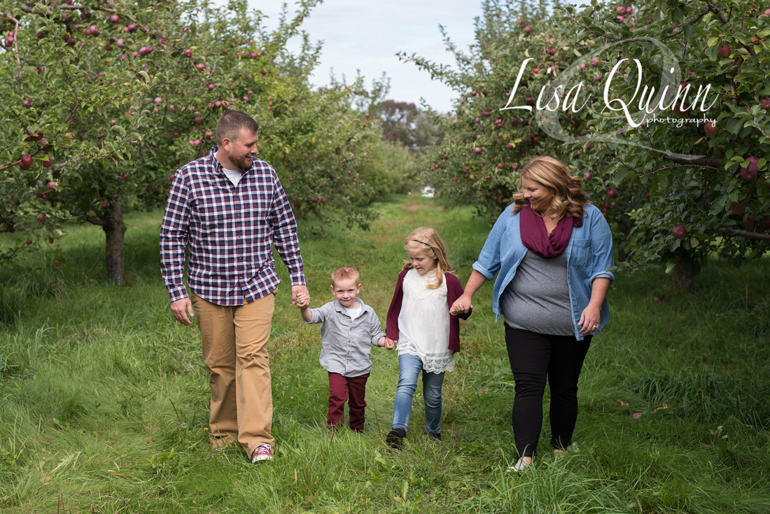 Fall Mini Sessions, Orchard Mini Sessions, Maine Mini Sessions, Maine Family Photographer, Apple Orchard Photo Sessions