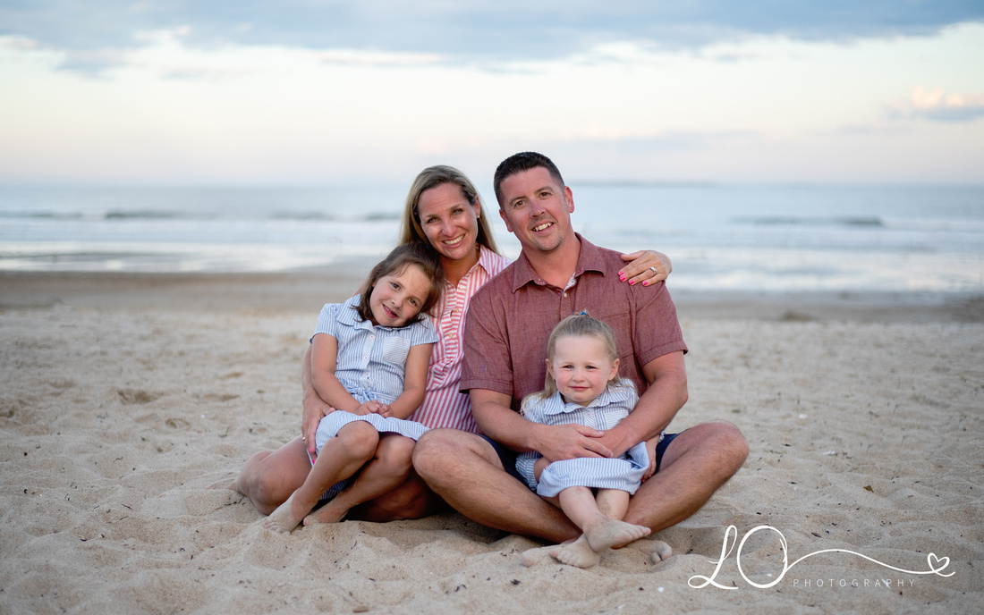 Old Orchard Beach Photographer, Family Portraits Old Orchard Beach, Old Orchard Maine, Maine Family Photographer, Sister Photography, Beach Portraits